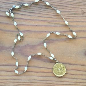Beautiful pendant and pearl necklace